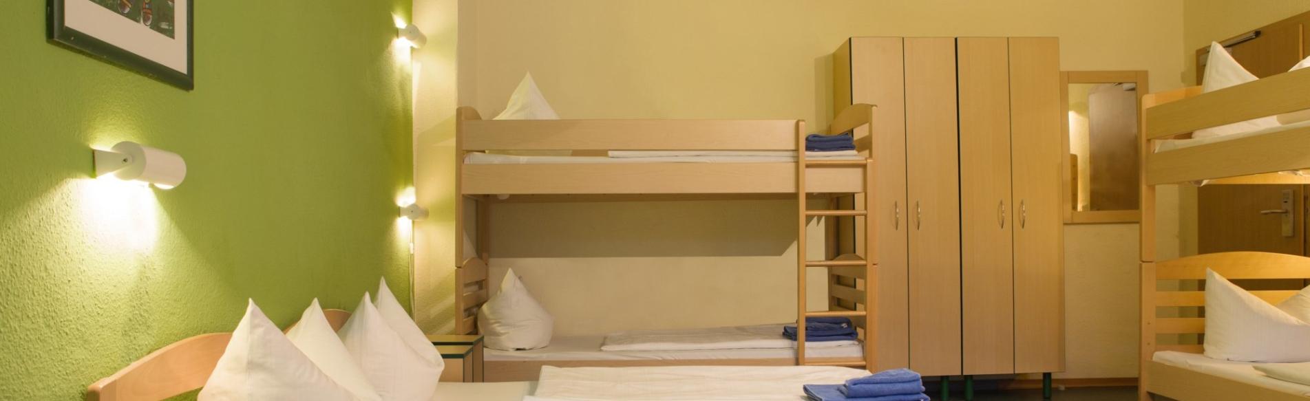 Zimmer acama hostel hotel berlin sch neberg jetzt buchen for Zimmer berlin