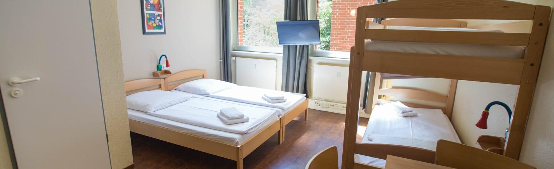Mehrbettzimmer im acama Hostel
